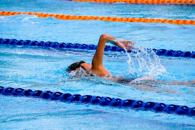 difference between aerobic and anaerobic training